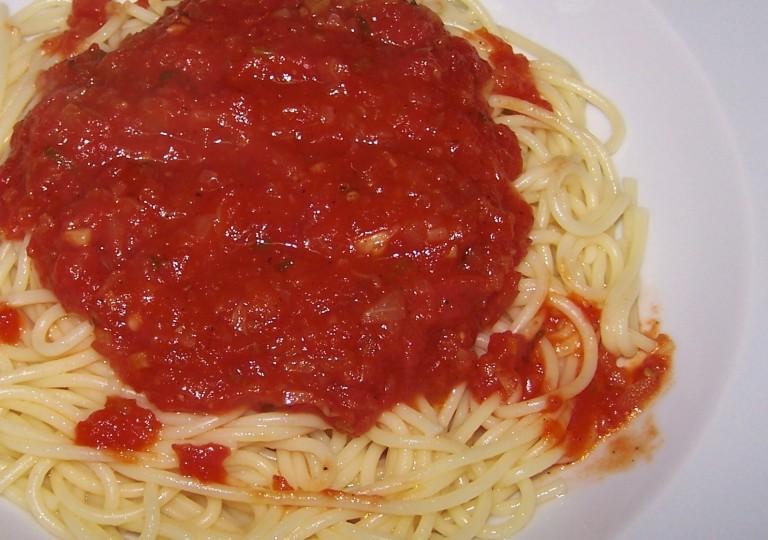 domates soslu spaghetti