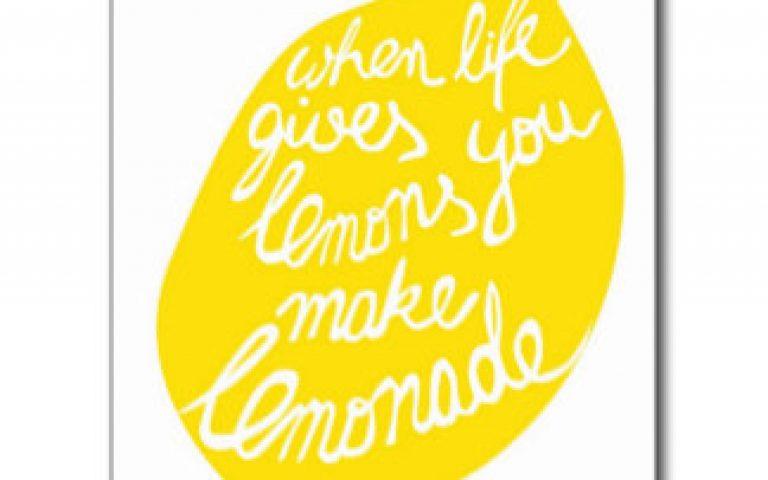 when_life_gives_you_lemons_make_lemonade_postcard-rf29170018e394dd08a36932e27cc1653_vgbaq_8byvr_324